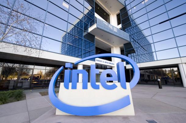 Lenovo, 2 nuovi smartphone Intel ad inizio 2015