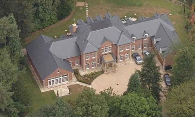 Case da sogno ecco le 10 pi belle dei calciatori overpress for Piani di casa sotto 600 piedi quadrati