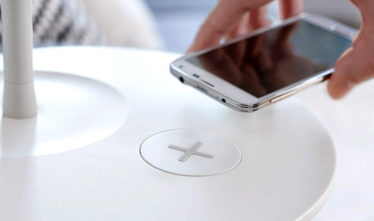 Ikea, la ricarica senza fili è integrata nei nuovi mobili