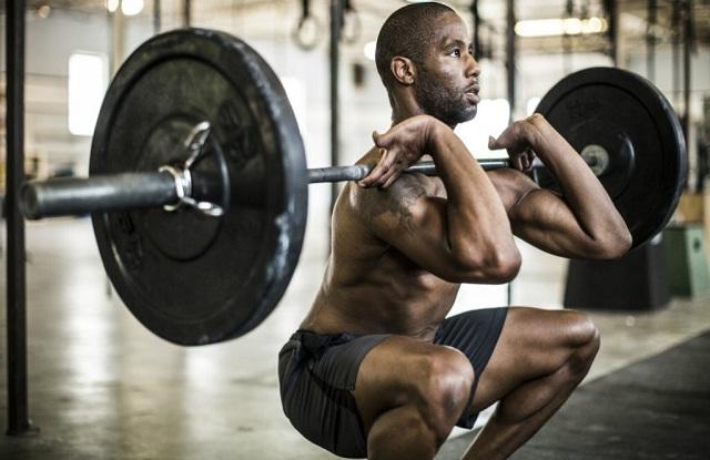front-squat-quadriceps-anatomy-quads-quadricipiti-allenamento-gambe-squat-affondi-overpress-exerceo