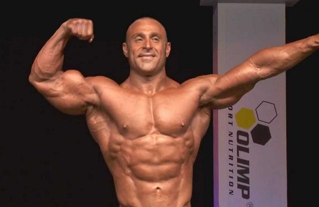 davide-pioggia-culturista-bodybuilding-natural-integratore-integratori-overpress-fitness-allenamento-due-torri-exerceo-bcaa-proteine