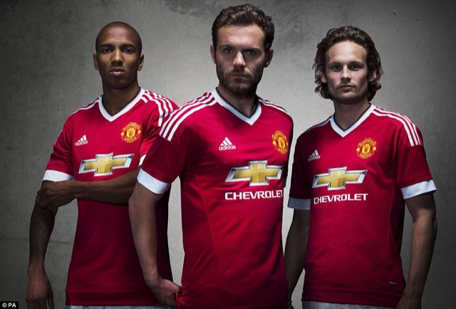 manchester united 15-16 maglia