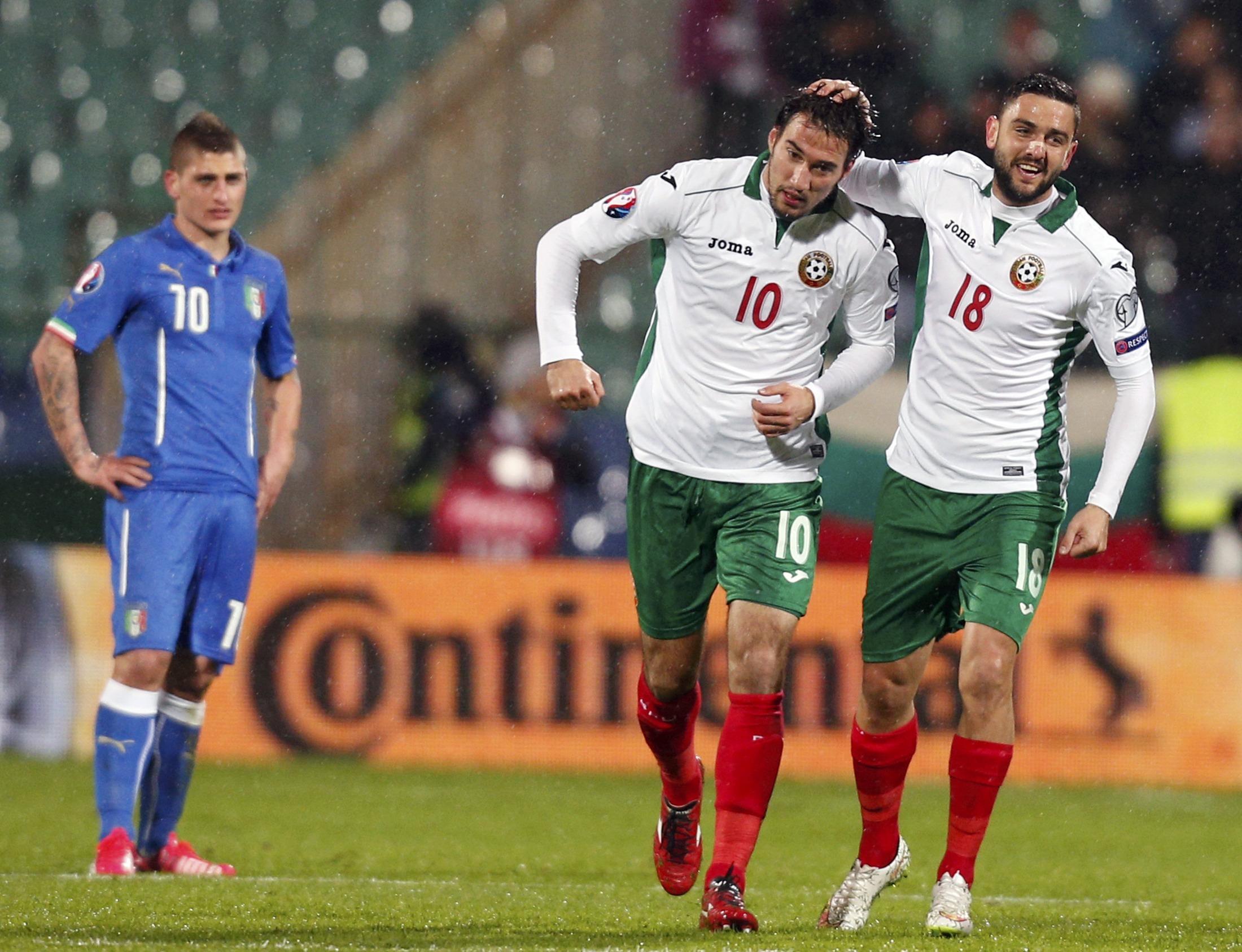 Il numero 10 Popov, pericolo numero uno per l'Italia.