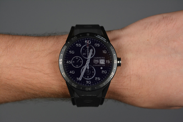 tag-heuer-connected-polso
