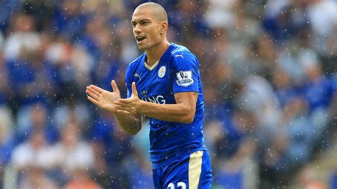 Lo svizzero Gokhan Inler, attualmente in forza al Leicester City.