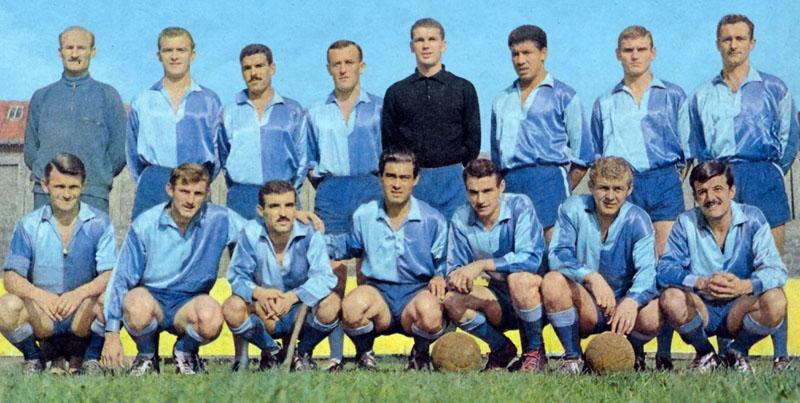 Una foto storica del Le Havre con la prima maglia blu e celeste