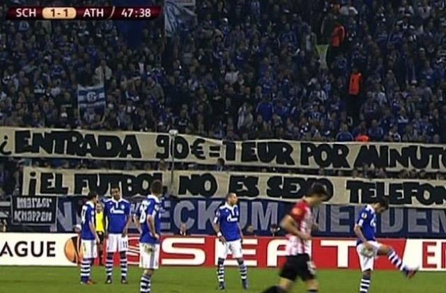 Protesta tifosi Schalke 04