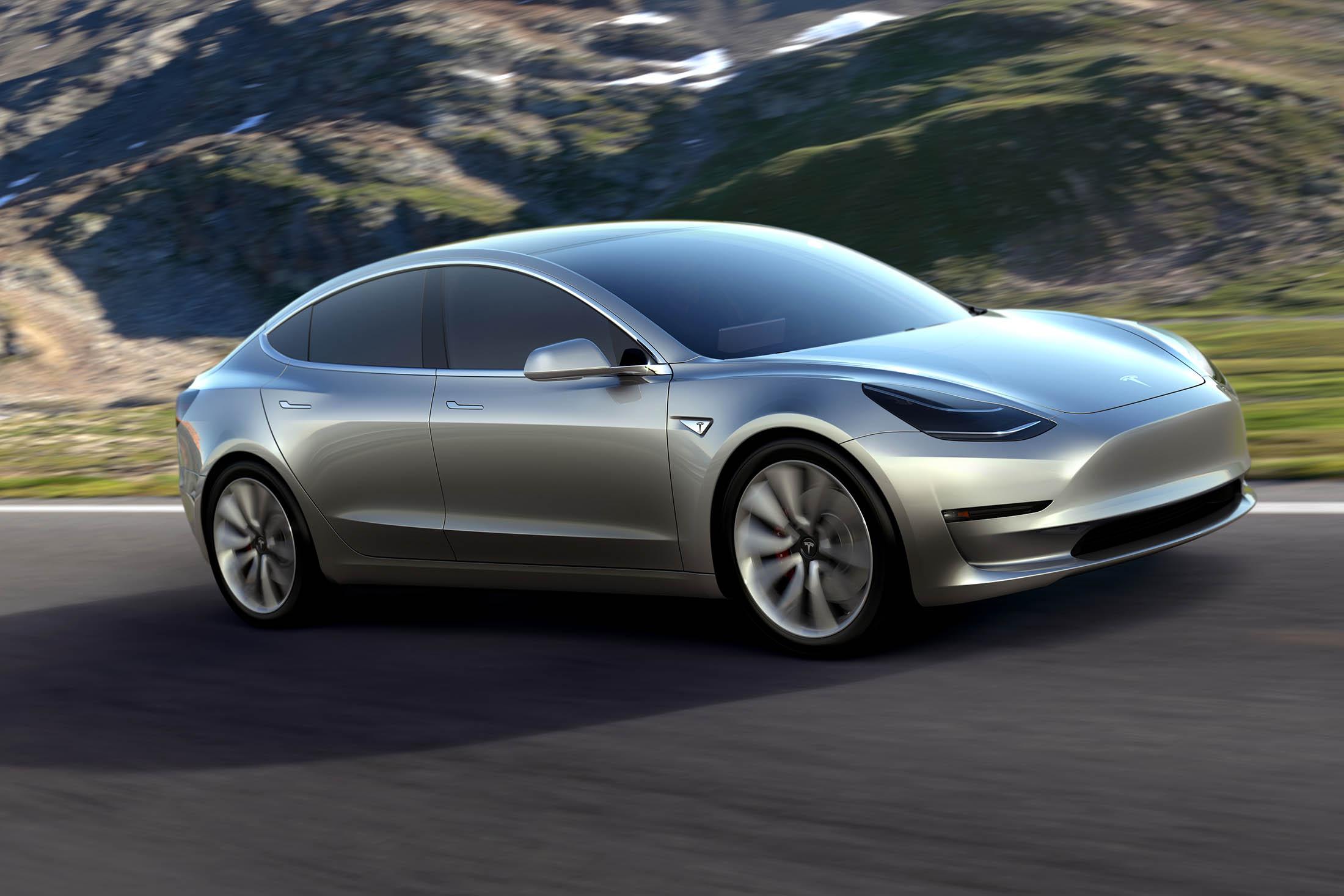Tesla mostra il nuovo sistema di autoguida e batte LaFerrari in accelerazione