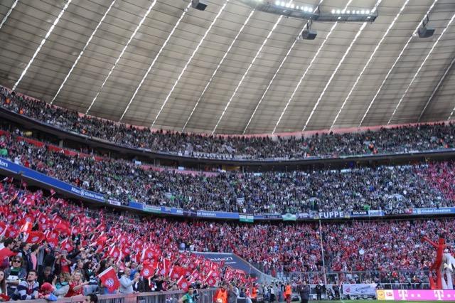 I 6.000 tifosi del Borussia M'gladbach arrivati a Monaco.